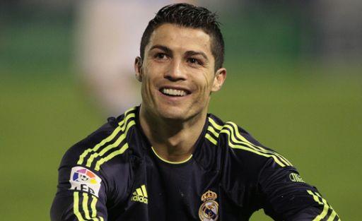 Annesi Ronaldo'yu Rezil Etti!