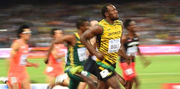 Bolt 200 metrede de rakipsiz!