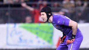 Chelsea, emekli Petr Cech'i kadroya yazdı