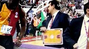 Ergin Ataman çıldırdı!