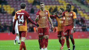 Podolski, G.Saray'ı bir üst tura taşıdı