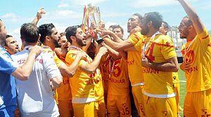 Şampiyon Göztepe kupasını aldı!