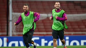 Sneijder istedi, takımda kalacak!
