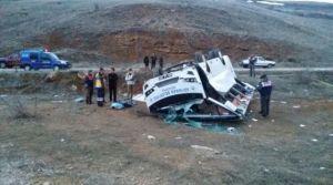 Takım otobüsü kaza yaptı!