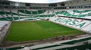 Timsah Arena'nın zemini çimlendi!